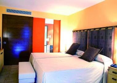 02_Hotel-Hesperia-Lanzarote_2010-01-29_15-33-17_Hotel_double03